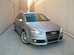 2007 Audi RS4 - a speeding ticket waiting to happen?