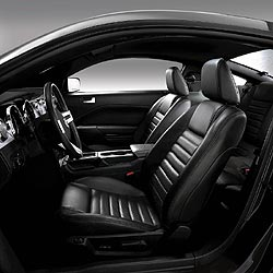 2005 Ford Mustang GT black interior