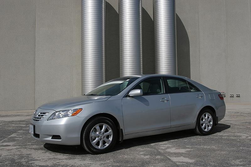 Used Vehicle Review: Toyota Camry, 2007 2011 toyota hybrids used car reviews