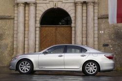 First Drive: 2007 Lexus LS460 first drives