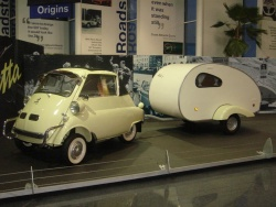 BMW Isetta and trailer