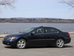 Used Vehicle Review: Acura RL, 2005 2010  used car reviews luxury cars acura