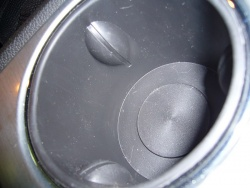 The Saturn Outlook cupholder uses rubber nodules to hold a beverage in place