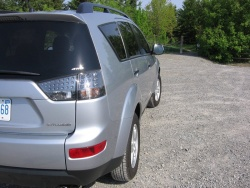 Test Drive: 2007 Mitsubishi Outlander LS AWD car test drives mitsubishi