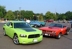 2007 Dodge Charger Daytona R/T with a 1971 'Cuda 440