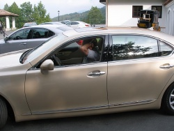 2007 Lexus LS460: Lexus official demonstrates the optional Lexus Advanced Parking Guidance System.  The driver sets the boundaries and parameters with the navigation screen, sets the system, then lets the vehicle park itself!