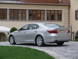 2007 Lexus LS 460/460L luxury cars lexus first drives