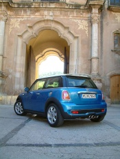 First Drive: 2007 Mini Cooper/Cooper S first drives