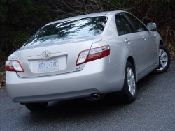 Test Drive: 2008 Toyota Camry Hybrid greenreviews