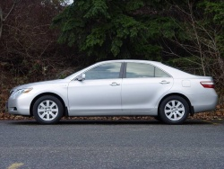 Test Drive: 2008 Toyota Camry Hybrid toyota car test drives hybrids