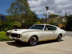 1969 Hurst Olds; photo courtesy HurstOlds.com and Ken Millington