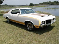 1972 Hurst Olds; photo courtesy HurstOlds.com and Stephen Oberto