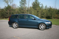 2008 Volvo V50 T5; photo by James Bergeron