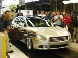 The first all-new 2009 Nissan Maxima rolled off the assembly line yesterday at Nissan North America\'s manufacturing plant in Smyrna, Tennessee.