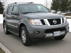 Used Vehicle Review: Nissan Pathfinder, 2005 2012 nissan
