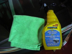 Rain-X 2-in-1 Glass Cleaner and Rain Repellent