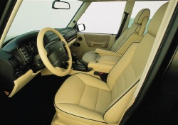 Used vehicle review land rover discovery ii 1999 2004 - Land rover discovery interior dimensions ...