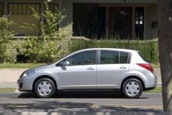 2008 Nissan Versa Hatchback
