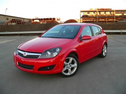 Inside Story: 2008 Saturn Astra XR four door  inside story