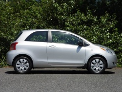 Test Drive: 2008 Toyota Yaris CE hatchback car test drives
