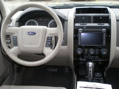 2009 Ford Escape Hybrid Dash and Console