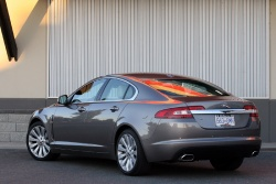 Test Drive: 2009 Jaguar XF car test drives luxury cars jaguar