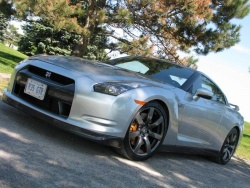Test Drive: 2009 Nissan GT R car test drives nissan