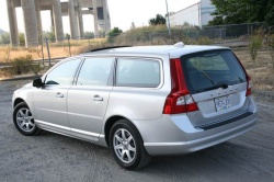 Test Drive: 2009 Volvo V70 luxury cars volvo car test drives