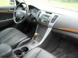 2009 Hyundai Sonata Limited four-cylinder