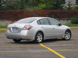 Test Drive: 2009 Nissan Altima 2.5 SL car test drives nissan