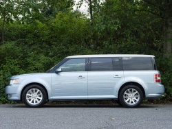 2009 Ford Flex SEL AWD - photo by Greg Wilson