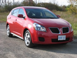 2009 Pontiac Vibe - photo by Jil McIntosh