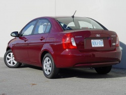 Test Drive 2009 Hyundai Accent Sedan 25th Anniversary