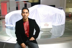 Designer Randy Rodriguez with the 2009 Nissan 370Z