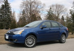 2009 Ford Focus SES sedan, five-speed manual