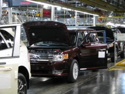 Initial production of 2009 Ford Flex, Oakville, Ontario
