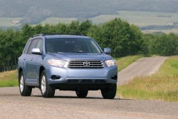 2009 Toyota Highlander base four-cylinder