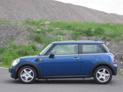 Test Drive: 2009 Mini Cooper car test drives mini luxury cars