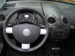 2009 Volkswagen New Beetle Convertible Silver-Red