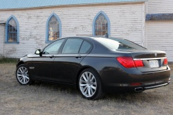 Test Drive: 2009 BMW 750i car test drives luxury cars bmw