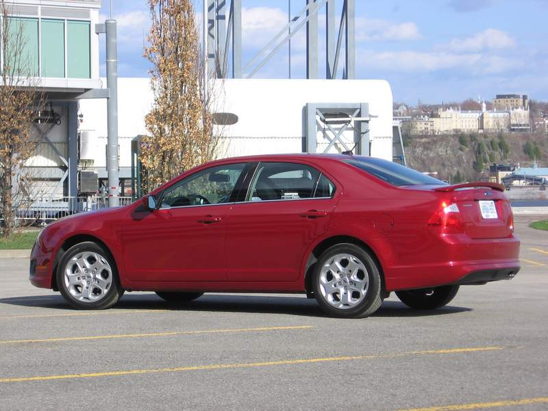 2010 Ford Fusion SE four-cylinder