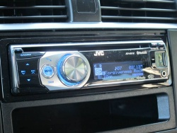 JVC KD-R810 single-din head unit
