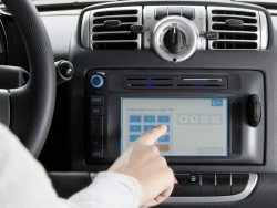 Smart Car2Go edition - a new control unit with touchscreen – screen dialogue: input of the PIN at the beginning of the rental process