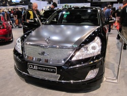 Hyundai Equus done DUB style with ostrich-skin interior