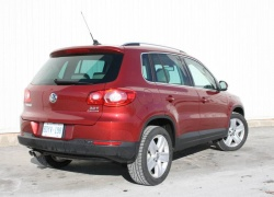 2010 VW Tiguan 2.0T Highline 4Motion
