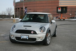 Day by Day Review: 2010 Mini 50 Camden Cooper S mini daily car reviews