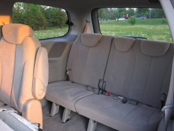 Used Vehicle Review: Hyundai Entourage, 2007 2009 used car reviews hyundai
