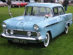1958 Vauxhall Victor; photo by Wikipedia user Charles01