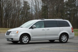 Made in Canada: 2010 Chrysler Town & Country chrysler