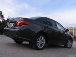 Test Drive: 2010 Toyota Corolla LE car test drives